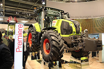New AXION 800 unveiled at SIMA
